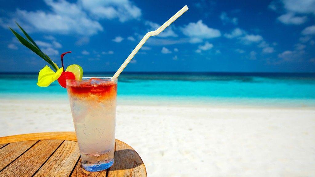 bebida_en_la_playa-1024x576
