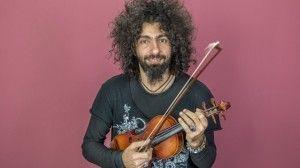 BARCELONA. 03.02.2015 El violinista ARA MALIKIAN graba un acustico en el estudio de el Periodico. FOTO FERRAN SENDRA