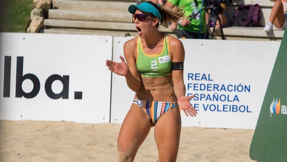 ¡Ángela Lobato la pone en el centro e imposible para sus rivales!